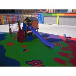 Pavimento continuo de caucho para proteger zonas de juego.
