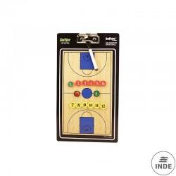 CARPETA TACTICA BALONCESTO. Fabricada en PVC. Incluye fichas imantadas y rotulador. Tamaño 35x20cm