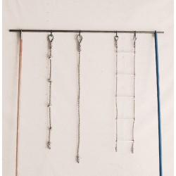 ESCALERA MARINA. Cuerdas de cáñamo y barras de madera. Largo 4 m.
